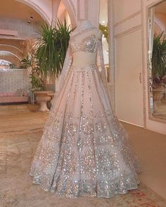 Party Wear Indian Dresses, Indian Wedding Gowns, Desi Wedding Dresses, Indian Gowns Dresses, Indian Bridal Outfits, Party Wear Lehenga, Indian Fashion Dresses, Indian Bridal Wear, Dress Indian Style