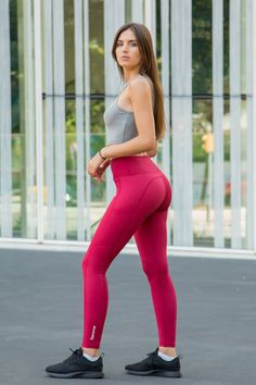 The Famme Techna Tights is where function meets fashion. Back and even better with two large pockets for your phone and accessories (fits iPhone X) Athletic Outfits, Sport Outfits, Fit Couples, Leather Shorts, Gym Wear, Fashion Killa, Outfits For Teens, Kids Fashion, Women's Fashion