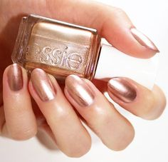 Penny for your thoughts? Not necessary. This statement-making authentic copper metallic nail lacquer says it all. Shop essie 'penny talk' here: http://www.essie.com/Effects/mirror-metallics/penny-talk.aspx