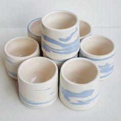 cup terre mélangée bleue #pottery #poterie #faience #ceramics #ceramic #ceramicart #pottering #ceramicreview #handmade #art #design #clay #jessicagiraudi #productdesign #artisan #instapottery #instapotter #tournage #lagarennecolombes #marble #mug #cup #bluemarble #faitmain #terremelangee