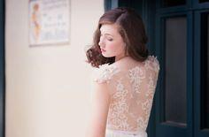 Os presentamos la colección de vestidos de novia de la firma Sarah Seven.