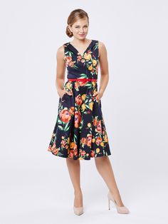 Best Prom Dresses, Dresses For Work, Vintage Wardrobe, Review Fashion, Floral Fashion, Review Dresses, Sweet Dress, Mom Style, Dress Collection