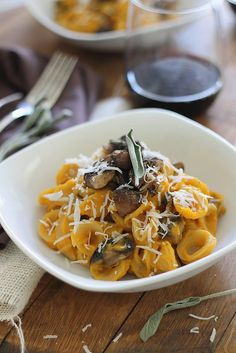 Butternut squash is puréed to create a creamy delicious sauce for the pasta which is topped with caramelized mushrooms and sage.