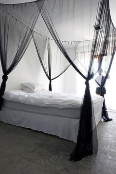 6 Generous Cool Tips: Canopy Structure Steel canopy restaurant new york.Canopy Over Bed Wall Colors modern canopy architects.How To Make A Canopy. Dream Bedroom, Home Bedroom, Master Bedroom, Bedroom Decor, Bedrooms, Canopy Design, Black Bedding, My New Room, Home Remodeling