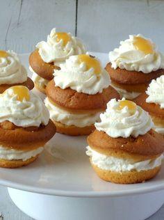 Pauline maakte deze heerlijke citroen ricotta taartjes. Het recept mag ik met jullie delen op Laura's Bakery.