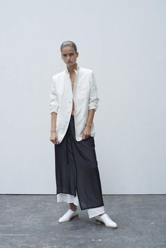 Visions of the Future: Y's by Yohji Yamamoto Ready To Wear Spring Summer 2016 - NOWFASHION