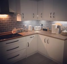 When you've been out for the night and he sends you this pic. (I left at tea time and the kitchen looked like we had been robbed and… Home Decor Kitchen, Kitchen Interior, New Kitchen, Home Kitchens, Kitchen Dining, Grey Kitchen Tiles, Grey Tiles, Kitchen Utilities, Küchen Design