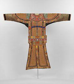 Ming dynasty warrior costume made of silk, metallic thread, metal, and glass, circa 1770-1790. Metropolitan Museum of Art
