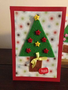 Easy Christmas cards for toddlers and young children to make. A fun Christmas craft for kids.
