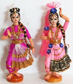 Kuchipudi - Classical Dancers from Andhra Pradesh (Cloth)