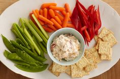 Love maple and bacon? Your favourites partner up one more time in this Quebec Maple Syrup & Bacon Dip - a decidedly delicious appetizer served with crisp veggie dippers and assorted crackers. Appetizer Salads, Finger Food Appetizers, Yummy Appetizers, Canadian Cuisine, Canadian Food, Canadian Recipes, Dip Recipes, Great Recipes