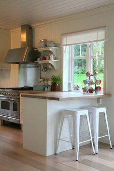 small kitchen-- well used space.