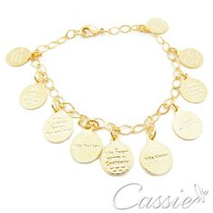 Pulseira 10 Mandamentos folheada a ouro com garantia. www.cassie.com.br