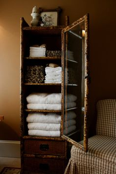 Love this bamboo cabinet and the way Delores filled it.