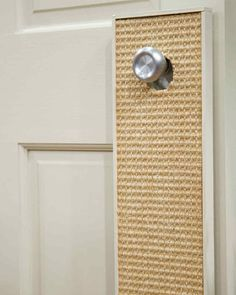 Here's a Good Thing for your cat: a homemade scratcher that you can hang on a door knob, mount on a wall, or even place on the floor.