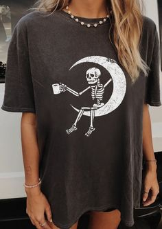 August Lemonade Cool Baby Cozy Oversized Tee Material: Cotton Blend. Unisex Round Neck Cold hand wash Short Sleeve Size S M L XL 2XL 3XL 4XL Bust (inch) 34.6-47.2 36.2-47.2 37.8-47.2 39.4-47.2 40.9-47.2 42.5-47.2 44.1-47.2 Waistline (inch) 27.6-47.2 28.0-47.2 28.3-47.2 28.7-47.2 29.1-47.2 29.5-47.2 29.9-47.2 Length (inch) 29.5 29.9 30.3 30.7 31.1 31.5 31.9 Bust (cm) 88-120 92-120 96-120 100-120 104-120 108-120 112-120 Waistline (cm) 70-120 71-120 72-120 73-120 74-120 75-120 76-120 Length (cm) 75 Oversized Graphic Tee, Mode Outfits, Vest Outfits, Clothing Co, Vintage Clothing, Facon, Vintage Tees, Vintage Style, Cool Baby Stuff