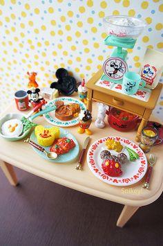 Re-ment Mickey Retro Kitchen Barbie Doll Set, Baby Barbie, Barbie Food, Miniture Food, Miniture Things, Miniature Crafts, Miniature Dolls, Accessoires Lps, Mini Doll House