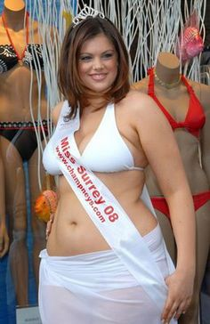Chloe Marshall — Surrey, England's Chloe Marshall was the first plus size young woman to compete in the finals of the Miss England competition. Marshall, a UK size finished second, and was subsequently signed to the Models Plus agency She Is Gorgeous, Big And Beautiful, Beautiful Women, Chloe Marshall, Molliges Model, Dresser, Size Zero, England, Bikini