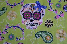 Rockabilly Baumwollstoff Pretty Skulls Skull Scull von Rotznaeschenmode auf DaWanda.com
