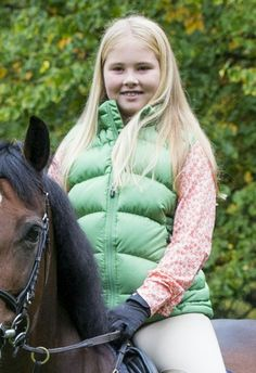 New official picture of Catharina-Amalia, Princess of Orange, Princess Alexia and Princess Ariane of The Netherlands to celebrate the 12th birthday of Princess Catharina-Amalia.