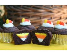 22 Haunting Halloween Cupcake Ideas - From Creepy Crawly Baked Goods to Morbid Cranium Cupcakes