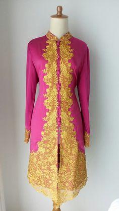 Pink n Gold Mom Fashion, Fashion Ideas, Dream Wardrobes, Kebaya Brokat, Batik Dress, Cutwork, Mom Style, Pink And Gold, Suits