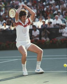 An angry John McEnroe during the 1980 tournament, however his mood would improve after the final where he beat Björn Borg to win the first of his three US Open titles Tennis Clubs, Tennis Players, Tennis Racket, Tennis Wallpaper, Jimmy Connors, Tennis Pictures, Tennis Legends, Ivy League Style, Tennis Center