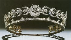 The Teck Crescent Tiara https://www.facebook.com/photo.php?fbid=10152738313163776&set=oa.283553501812446&type=3&theater https://www.facebook.com/groups/260713314096465/