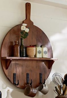 rustic cuisine board with shelves http://rstyle.me/n/tvf8rr9te