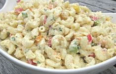 Chicken Macaroni Salad Recipe by Shalina Healthy Pasta Salad, Easy Pasta Salad, Pasta Salad Recipes, Healthy Recipes, Healthy Foods To Eat, Tzatziki, Muesli, Slimming World, Chicken Macaroni Salad