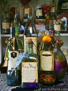 A Fanciful Twist: Spells & Potions + Halloween Cards! Halloween Potion Bottles, Halloween Apothecary, Halloween Labels, Halloween Cards, Holidays Halloween, Spooky Halloween, Happy Halloween, Halloween Decorations, Apothecary Jars