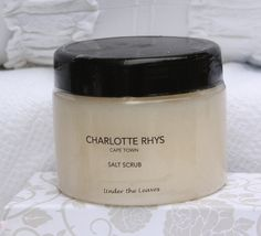 Salt Scrub – 420g  A fragranced body scrub made of natural sea salt and almond and olive oils. Wet your skin, take a small handful of salt and rub it gently all over your body. Rinse off the salt and the nourishing oils will remain, leaving your skin satin smooth. Towel dry