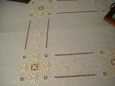 This Pin was discovered by drr Drawn Thread, Thread Work, Hardanger Embroidery, Bargello, Cutwork, Needful Things, Machine Embroidery Designs, Embroidery Ideas, Needlework