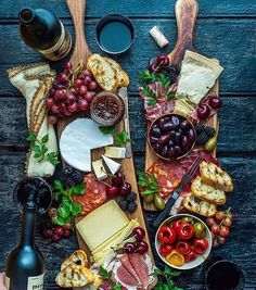 I like this it Shows life in it Party Food Platters, Cheese Platters, Cheese Table, Serving Platters, Cheese Fruit, Meat And Cheese, Aldi Cheese, Cheese Food, Easy Cheese