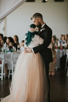 I know this is a brides dress but would make cute bridesmaids outfit with flower pcs!