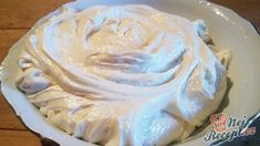 500 g - kyslá smotana 1 ks - citrón - kôra 2 ks - vajcia 3 lyžice - hladká… Czech Desserts, Sweet Bakery, Buttercream Recipe, Dessert Decoration, Pavlova, Food Design, Diy Food, Bread Baking, Cake Cookies