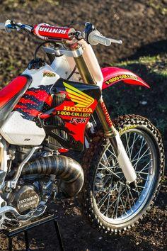 Youth Dirt Bikes, Cool Dirt Bikes, Mx Bikes, Honda Dirt Bike, Honda Bikes, Honda Motorcycles, Dirt Biking, Yamaha Motocross, Motocross Love