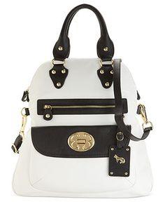 burberry handbag small new Burberry Handbags, Prada Handbags, Tote Handbags, Cute Purses, Purses And Bags, Emma Fox, Fox Bag, Small Handbags, Classic Leather