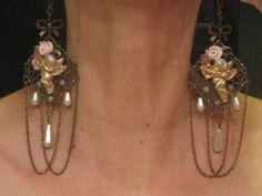 "Boucles ""Le bal des Anges""  http://www.alittlemarket.com/boutique/syl_marie_creations-498581.html"