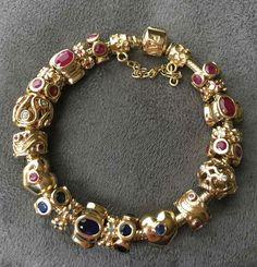 Pandora Bracelets, Pandora Jewelry, Pandora Charms, Bangle Bracelets, Bangles, Pandora Gold, Queen Fashion, Jewerly, Old Things