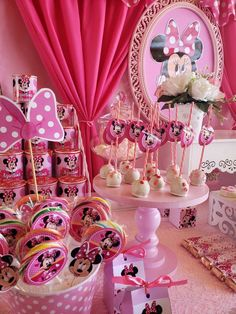 22 ideas party table ideas pink minnie mouse for 2019 Minnie Mouse Birthday Theme, Minnie Mouse Baby Shower, Mickey Mouse Parties, 2nd Birthday Parties, Birthday Party Decorations, Minnie Mouse Decorations, Princess Cupcake Toppers, Pink Minnie, Minnie Cake