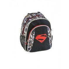 ΣΑΚΙΔΙΟ ΝΗΠΙΑΓΩΓΕΙΟΥ SUPERMAN ΣΕ ΜΑΥΡΟ ΧΡΩΜΑ Πρόκειται για μια υφασμάτινη τσάντα νηπίου και όχι μόνο, με θέμα τον Σούπερμαν της εταιρίας Graffiti. Αποτελείται από δύο θήκες, που κλείνουν με φερμουάρ και δύο πλαϊνές θήκες - δίχτυ. Το σακίδιο έχει μαύρο χρώμα με ανάγλυφες λεπτομέρειες και αδιάβροχα-ανθεκτικά υλικά, κατάλληλο για παιδιά. Μπορεί να χρησιμοποιηθεί στη σχολική περίοδο, στις καθημερινές βόλτες και στις εξορμήσεις κάθε είδους, σε θάλασσα ή σε βουνό. Διαστάσεις 23,0 x 12,0 x 30,0…