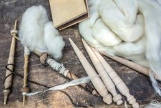 Are you interested in creating your own, homemade fiber? Then you may be surprised at how many natural materials are available to you! Small House Living, Fibre And Fabric, Sources Of Fiber, Fibre Material, Happy House, Natural Materials, Household Items, Royalty Free Images, Homesteading
