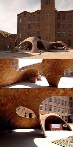 Bricktopia: contemporary crafts in EME3 Festival, Barcelona