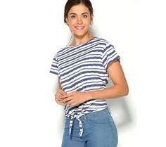 Pruhované tričko so zaviazaním   modino.sk #ModinoSK #modino_sk #modino_style #style #fashion #shirt Manga, Look, Model, Outfits, Clothes, Fashion, Bold Stripes, Neckline, Up Dos