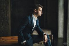 Фотосессия парня в лофт студии в Москве