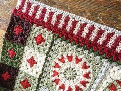 Basic Crochet Stitches, Afghan Crochet Patterns, Crochet Basics, Crochet Christmas Decorations, Christmas Colors, Christmas Afghan, Yarn Brands, Winter Season, Crafts To Sell
