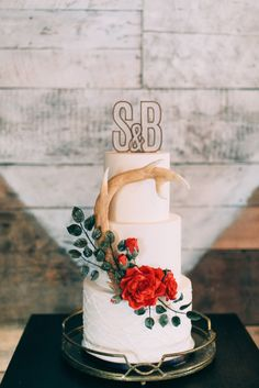 Rustic winter cake: http://www.stylemepretty.com/2015/02/12/cozy-country-valentines-wedding-inspiration/ | Photography: Emily Delamater - http://emilydelamater.com/