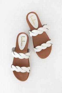 If on-trend slides have you swooning, you need the Lulus Monica White Slide Sandals in your life! These cool and minimal sandals have two braided, vegan leather straps and a smooth, contoured insole. Slide on design. Sandals Outfit, Cute Sandals, Fashion Sandals, Summer Sandals, Leather Sandals Flat, Flat Sandals, Slide Sandals, Sandal Heels, Vegan Sandals