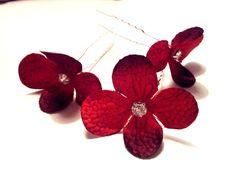 Rote Blume Haarnadeln von Donatale Accessories auf DaWanda.com